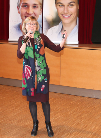 Dr. Anna Schreff, Fachärztin für Mikrobiologie, Virologie und Infektionsepidemiologie, Hygienefachberaterin der Regierung von   Niederbayern
