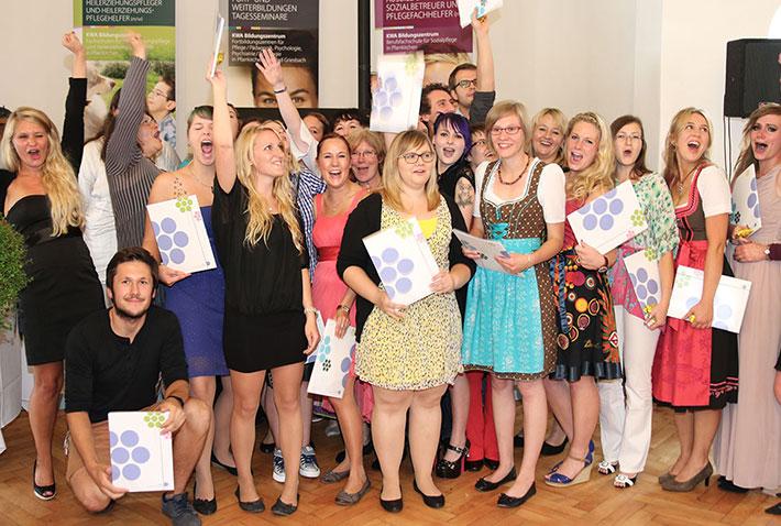 KWA Bildungszentrum 2014: Absolventen der Fachschule für Heilerziehungpflege HEP 9 – v. r. Silvia Wieser, Klassenleiterin