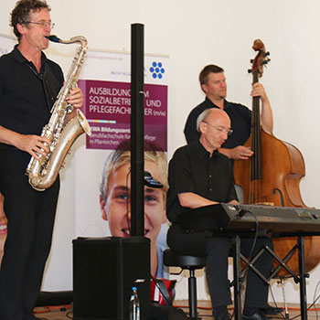 KWA Bildungszentrum Abschlussfeier 2014: Bar-/Dinnermusic von Ernst Kreuzmair am Keyboard