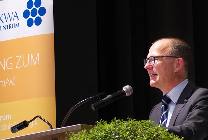 Abschlussfeier 2015 im KWA Bildungszentrum, KWA-Vorstand Dr. Stefan Arend