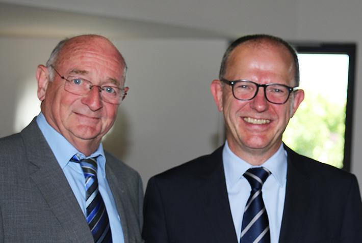 Abschlussfeier 2015 im KWA Bildungszentrum, Georg Riedl, Koordinator Europa Hochschule Rottal-Inn, KWA-Vorstand Dr. Stefan Arend und  Regierungsschuldirektor Heinrich Etzel