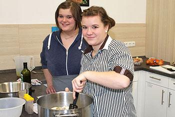 Kochen im KWA Bildungszentrum in Pfarrkirchen: im Wahlfach Englisch